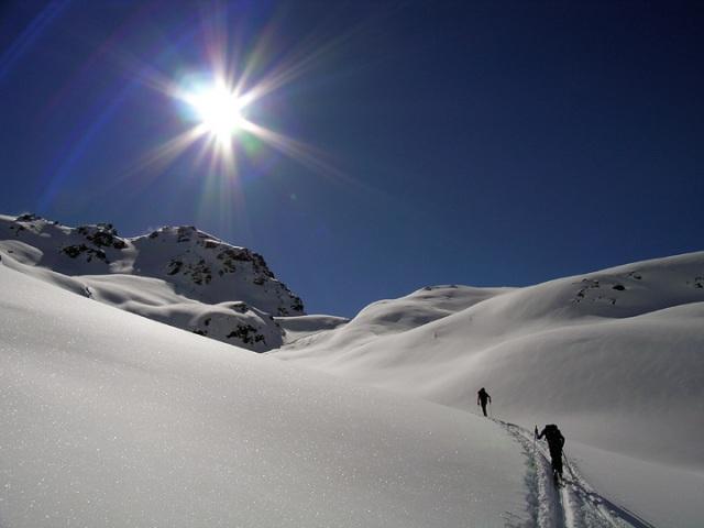 climbing-snow-hill