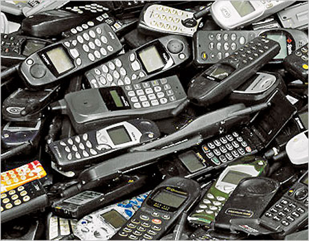 discarded-cell-phones