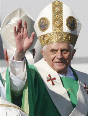 pope_benedict-350