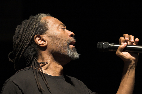 Bobby_McFerrin_photo_by_Szaniszlo_Ivor