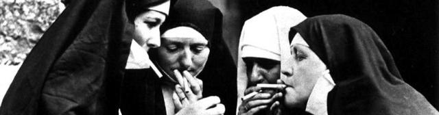 smoking-nuns2
