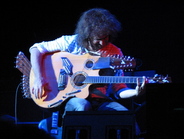 "Matheny Plays Custom ""Pikasso"" Guitar"
